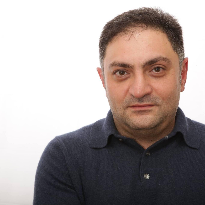 David Davidjan - Chief Owner Founder of Davidjan Art Gallery / Restaurierung & Reinigung von Gemälden